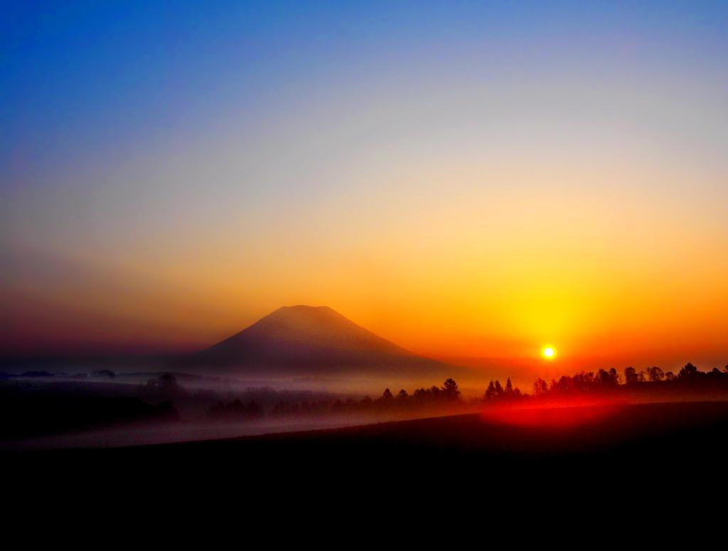 羊蹄山の朝日(2015年 秋)